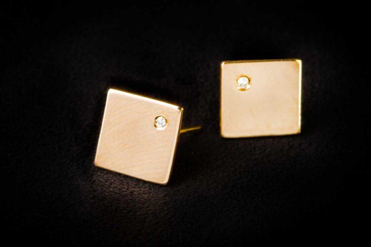 Square Stud Earring - Single Stone