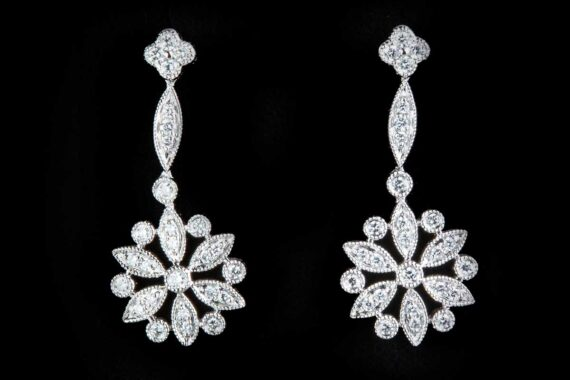 Art deco gold and diamonds earrings