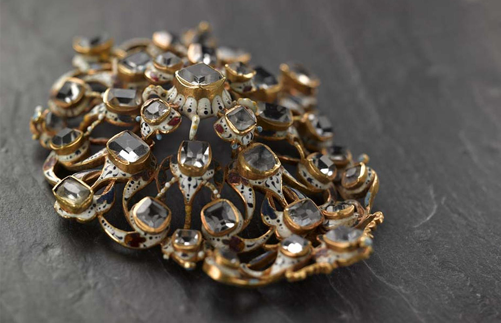 Spanish Jewellery old and new: sparks of passion